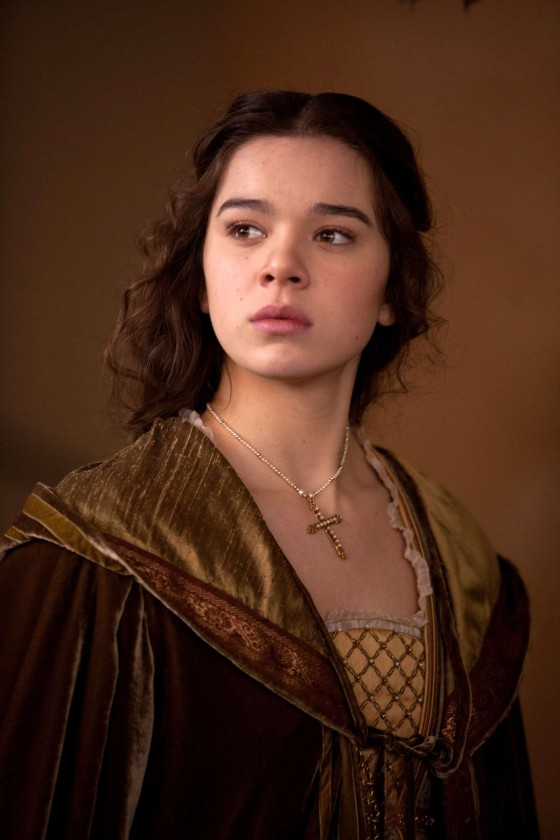 Hailee Steinfeld: Romeo and Juliet set -07 - GotCeleb