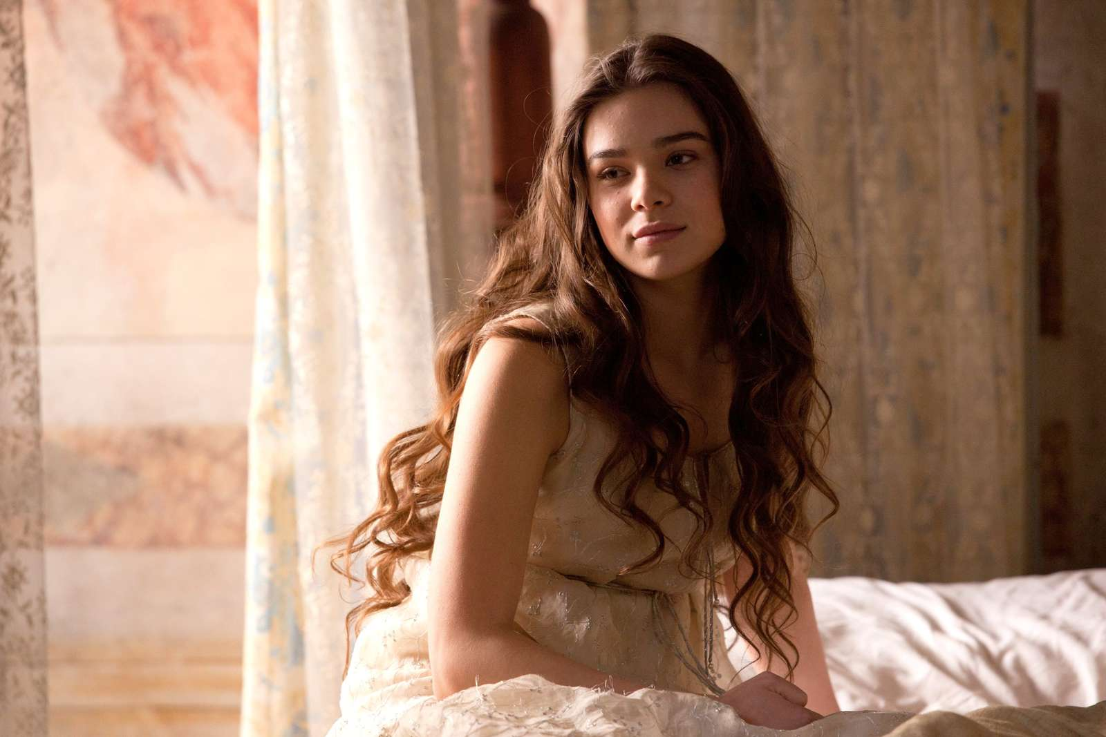 Hailee Steinfeld: Romeo and Juliet set -21 - GotCeleb