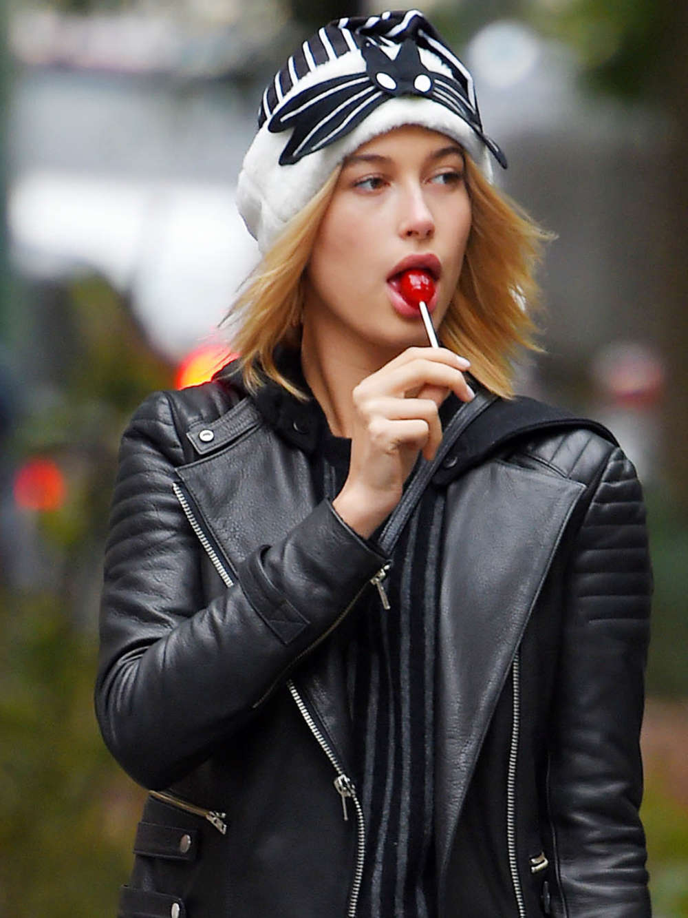 Hailey Baldwin Out In Nyc Gotceleb
