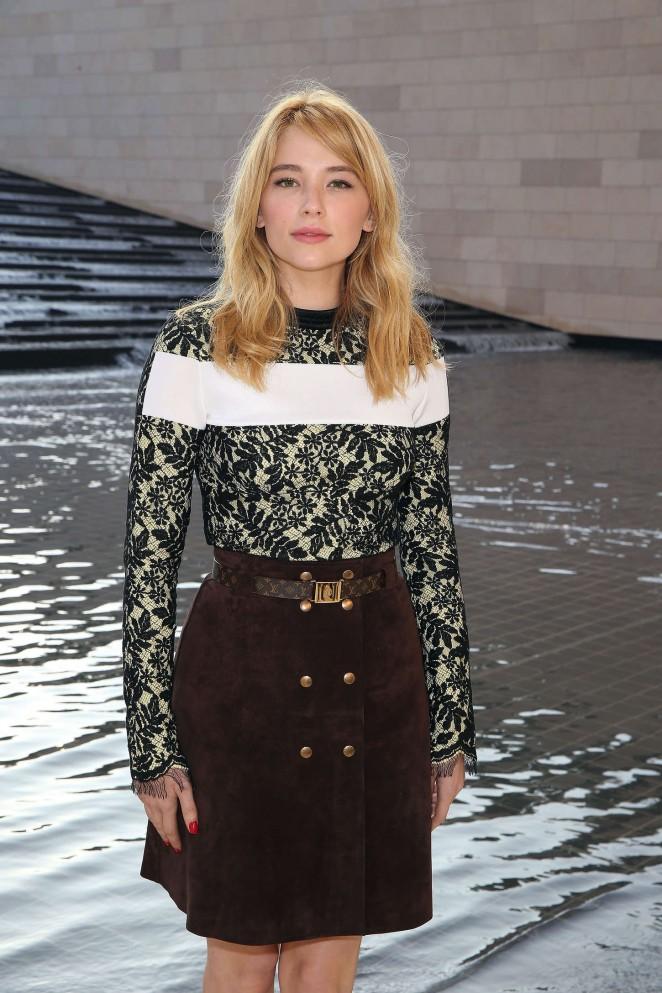 Haley Bennett – Louis Vuitton in Paris