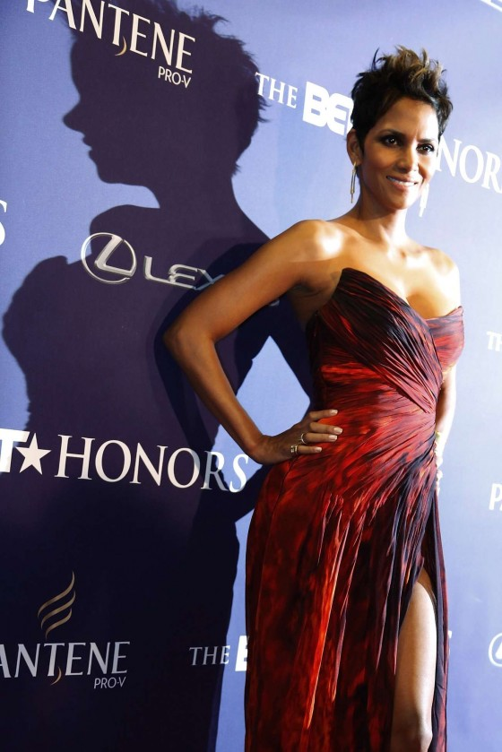 Halle Berry Hot in red dress at 2013 BET Honors in Washington
