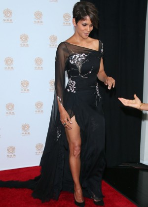 Halle Berry: 2014 Huading Film Awards -02