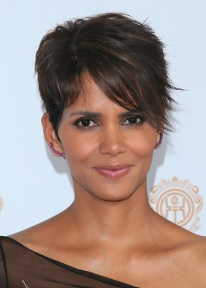 Halle Berry: 2014 Huading Film Awards -03