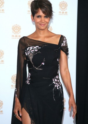 Halle Berry: 2014 Huading Film Awards -04
