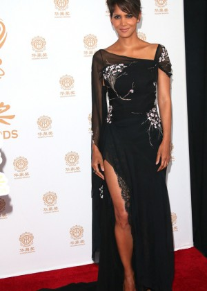 Halle Berry: 2014 Huading Film Awards -05
