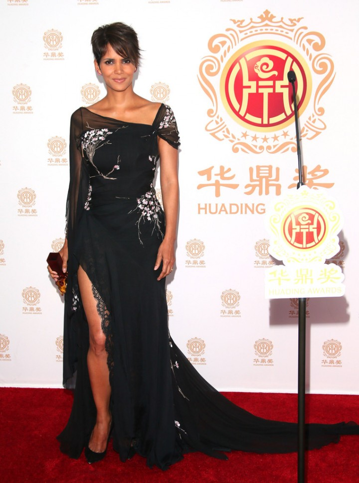 Halle Berry: 2014 Huading Film Awards -06