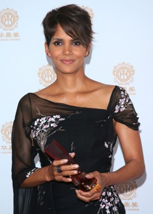Halle Berry: 2014 Huading Film Awards -07