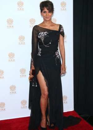 Halle Berry: 2014 Huading Film Awards -08