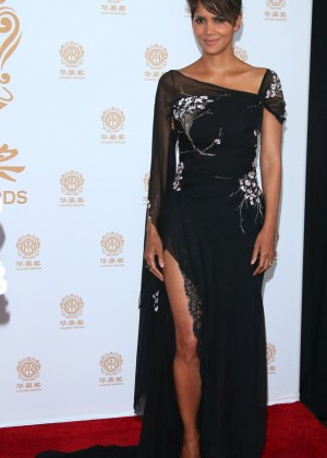 Halle Berry: 2014 Huading Film Awards -10