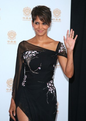 Halle Berry: 2014 Huading Film Awards -11