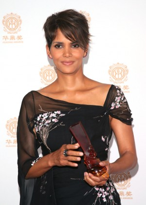 Halle Berry: 2014 Huading Film Awards -16