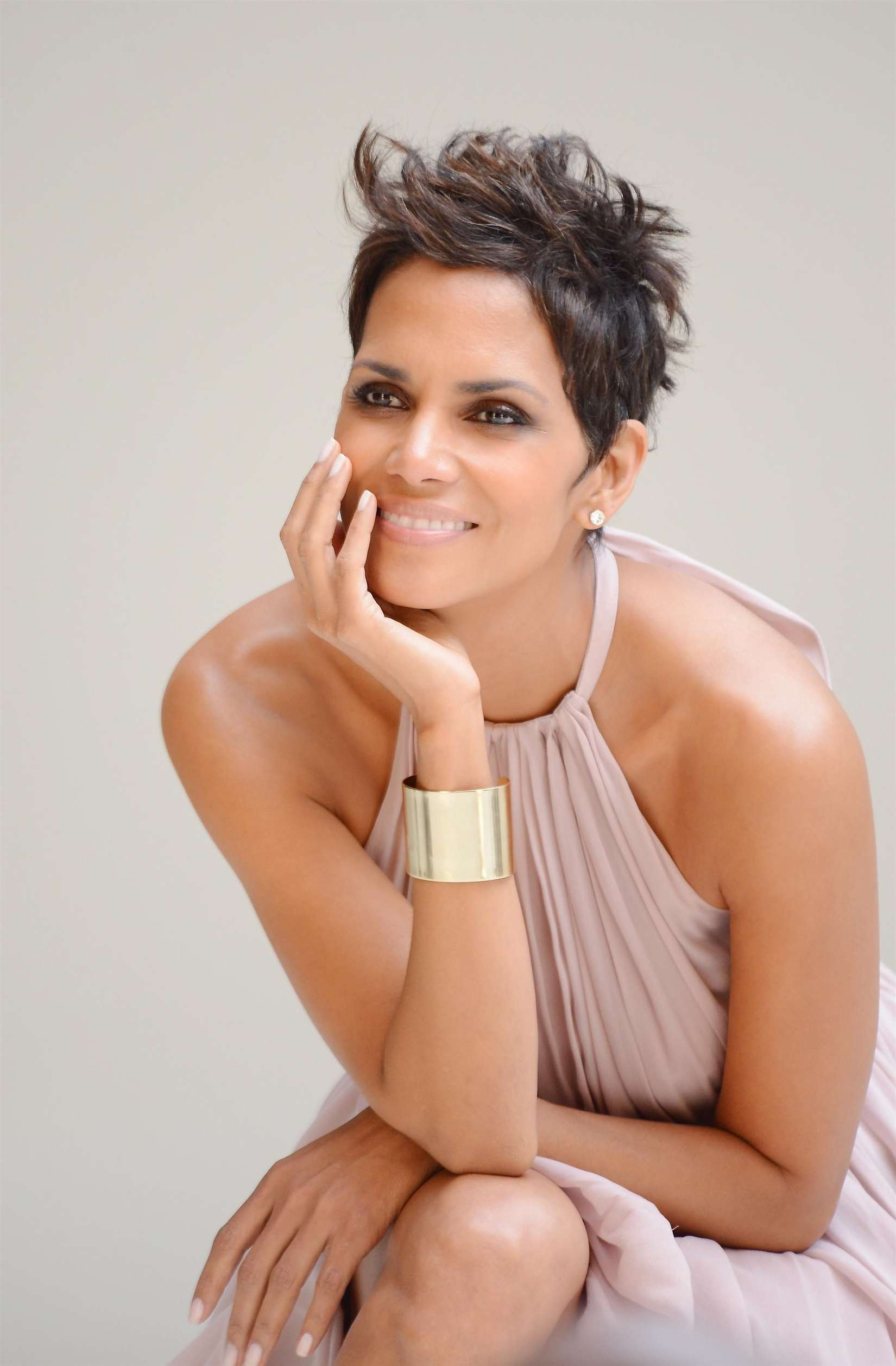 Halle Berry 5th Avenue Collection Filming 10 Gotceleb