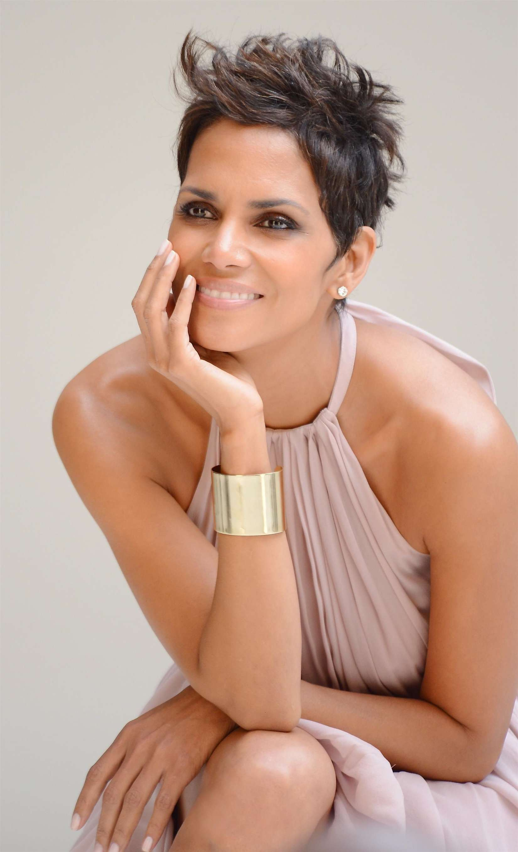 Halle Berry 5th Avenue Collection Filming 14 Gotceleb