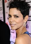 halle-berry-at-muhammad-alis-celebrity-fight-night-xvii-13