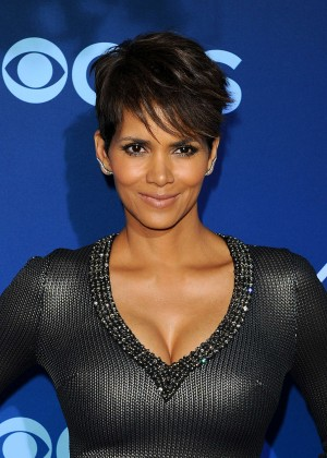 Halle Berry in tight dress -09