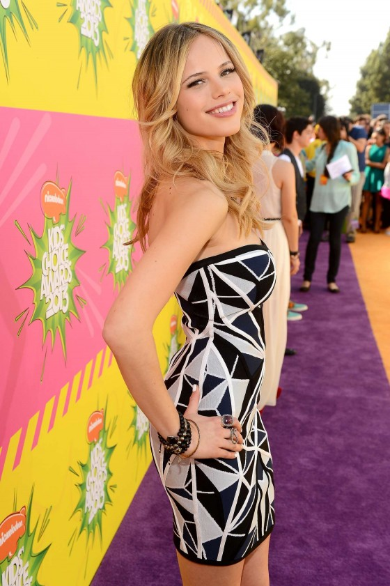 Halston Sage – 2013 Kids Choice Awards -01