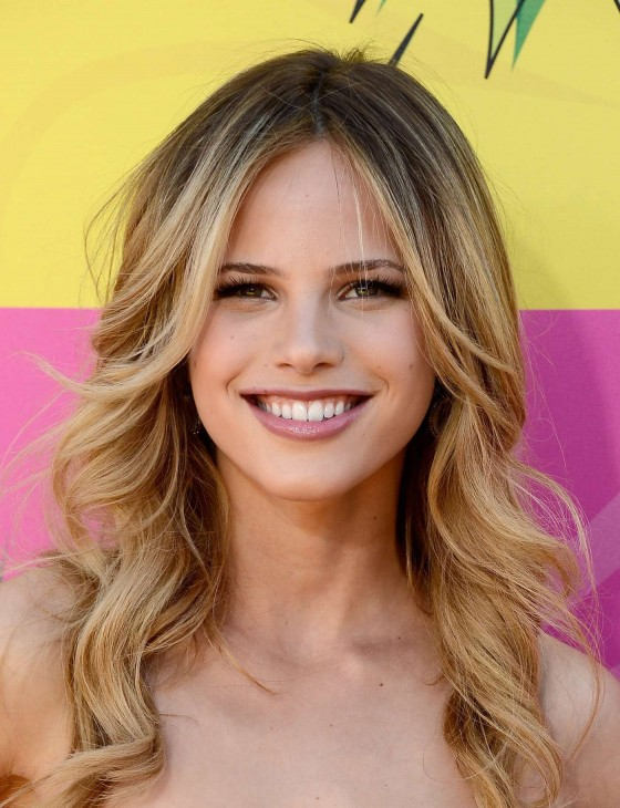 Halston Sage – 2013 Kids Choice Awards -05