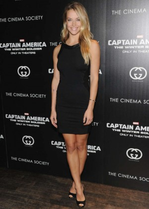 Hannah Ferguson: Captain America: The Winter Soldier Premiere -01