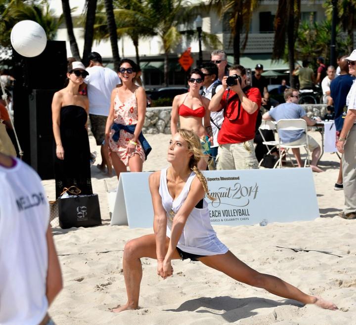 Hannah Ferguson: SI Swimsuit Beach Volleyball 2014 -03