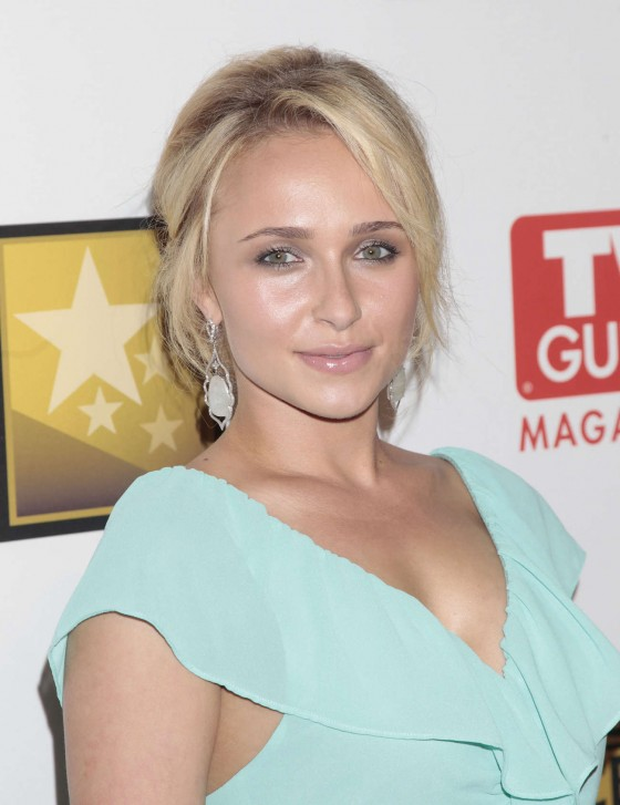 Hayden Panettiere - Cute in short dress at 2012 The 2nd Annual Critics' Choice Television Awards