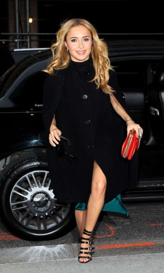 Hayden Panettiere Arrives at her hotel in NY -11