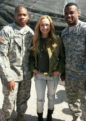 Hayden Panettiere in jeans at Fort Campbell -05