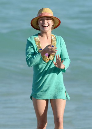 Hayden Panettiere at the beach in Miami -02