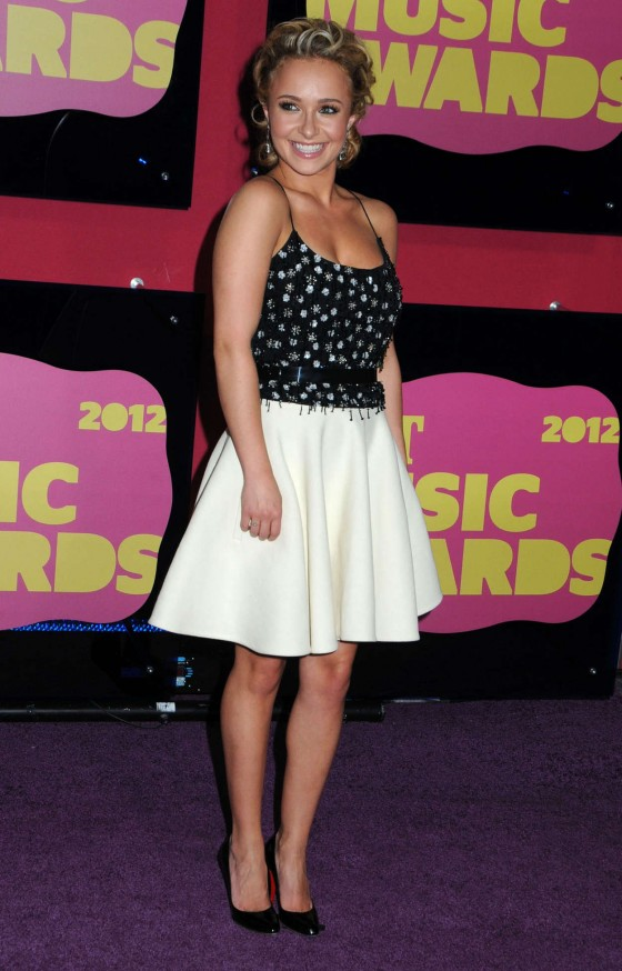 Hayden Panettiere – In skirt at CMT 2012 Music Awards in Nashville-16