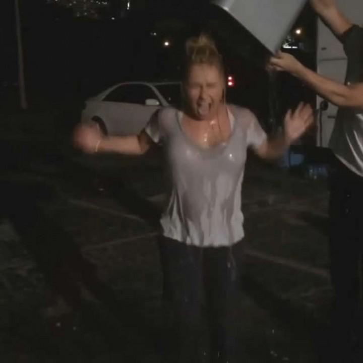 Hayden Panettiere Doing The ALS Ice Bucket Challenge