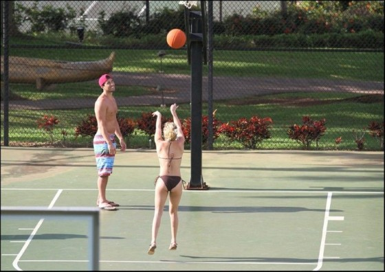 Hayden Panettiere – In a Bikini Playing Tennis and Basketball In Hawaii-05