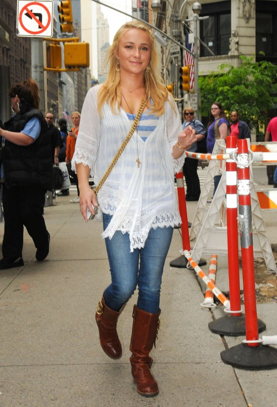 Hayden Panettiere - Looking cute In a tight jeans and boots in New York City