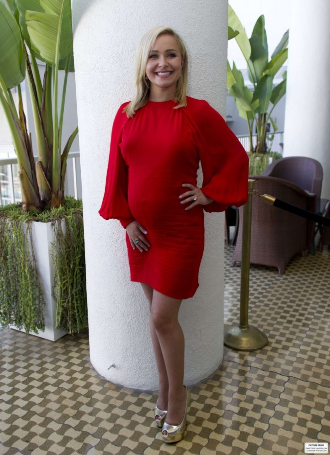"Hayden Panettiere – ""Nashville"" Photocall in Los Angeles"