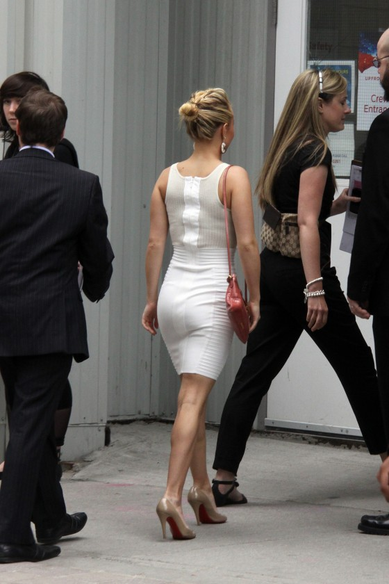 Hayden Panettiere Hot in White Tight Dress at CTV Upfront in Toronto-04
