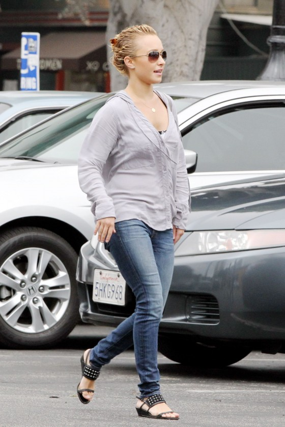 Hayden Panettiere – Tight Jeans Candids in Venice – Sep 22