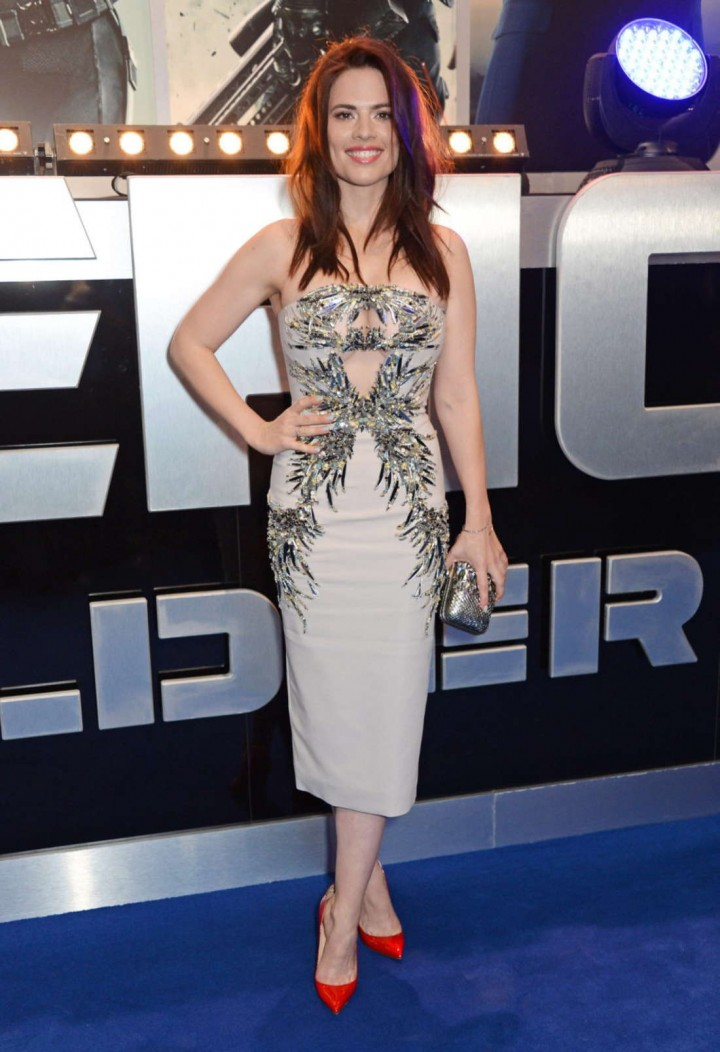 http://www.gotceleb.com/wp-content/uploads/celebrities/hayley-atwell/captain-america-the-winter-soldier-premiere-in-london/Hayley-Atwell:-Premiere-Captain-America:-The-Winter-Soldier--02-720x1052.jpg