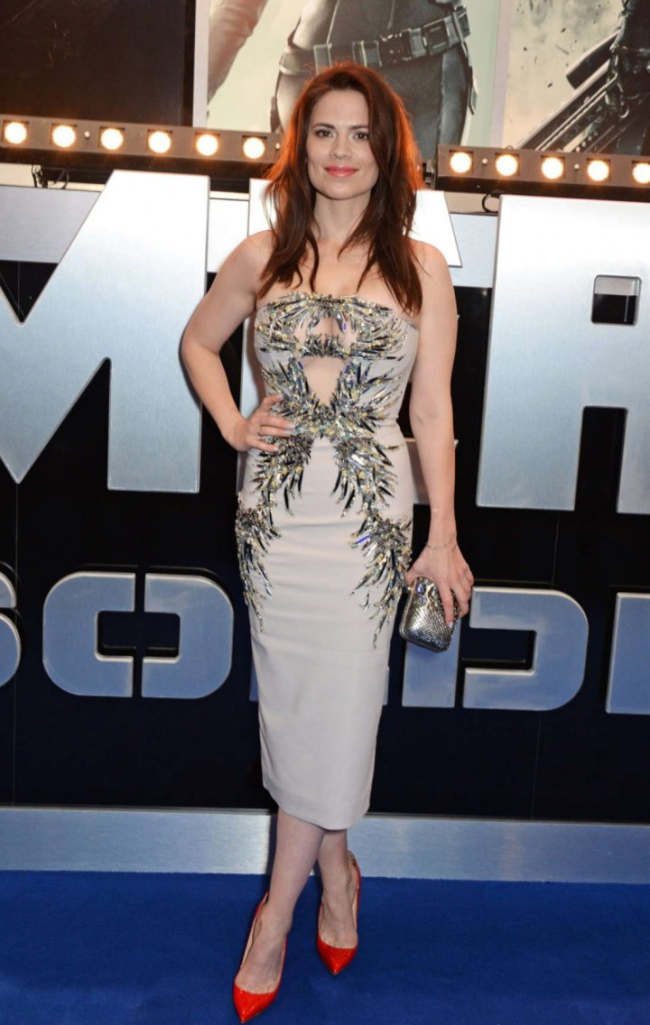http://www.gotceleb.com/wp-content/uploads/celebrities/hayley-atwell/captain-america-the-winter-soldier-premiere-in-london/Hayley-Atwell:-Premiere-Captain-America:-The-Winter-Soldier--08-720x1136.jpg