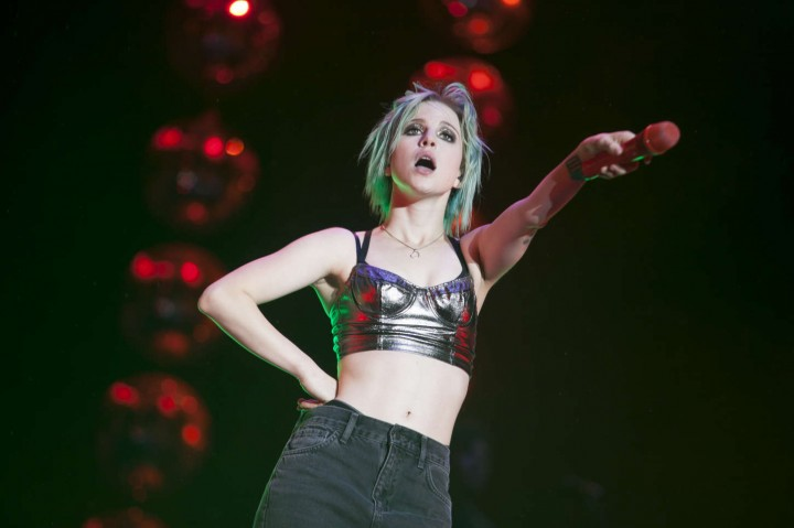 Hayley Williams - Performs Live at the Reading Festival ...