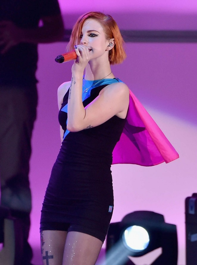 "Hayley Williams - ""We Can Survive"" 2014 in Los Angeles"