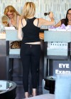 Heather Locklear in tight pants-10