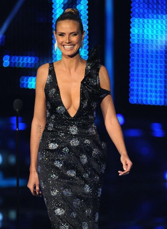 Heidi Klum – 2014 Peoples Choice Awards -02