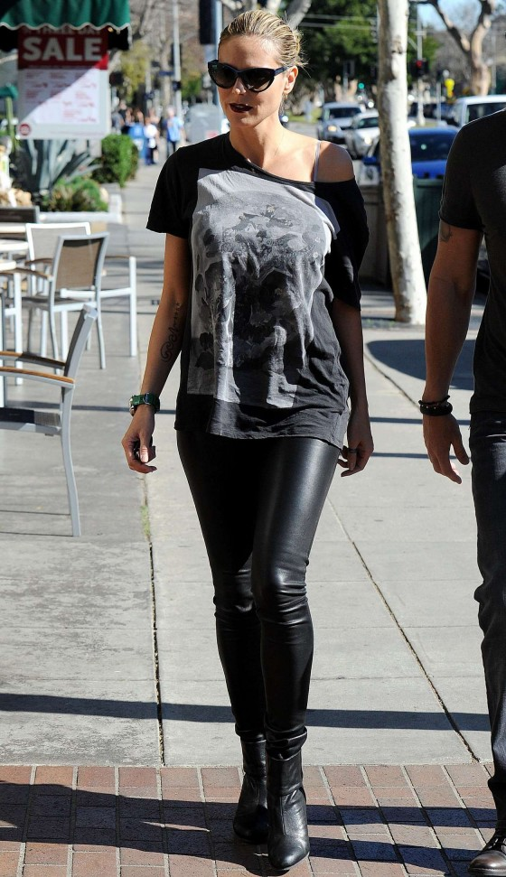 Heidi Klum in Leather Pants -04 - GotCeleb Reese Witherspoon