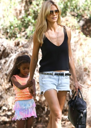 Heidi Klum in Jeans Shorts Out in a Park in Brentwood