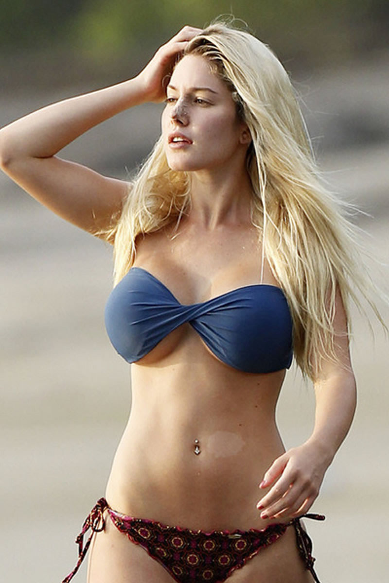 bikinis falling off - photo #21