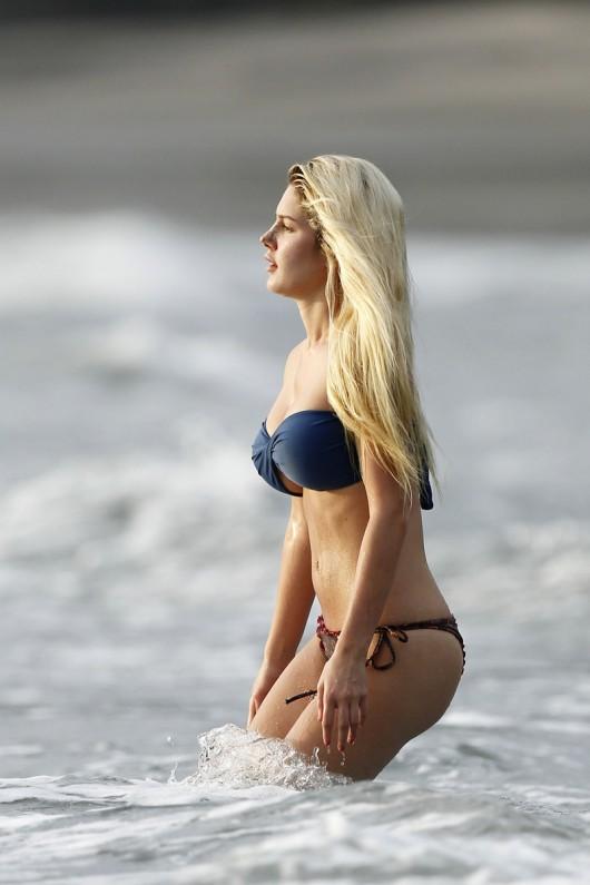 bikinis falling off - photo #29