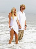 heidi-montag-with-pratt-in-malibu-beach-candids-sep-21-01