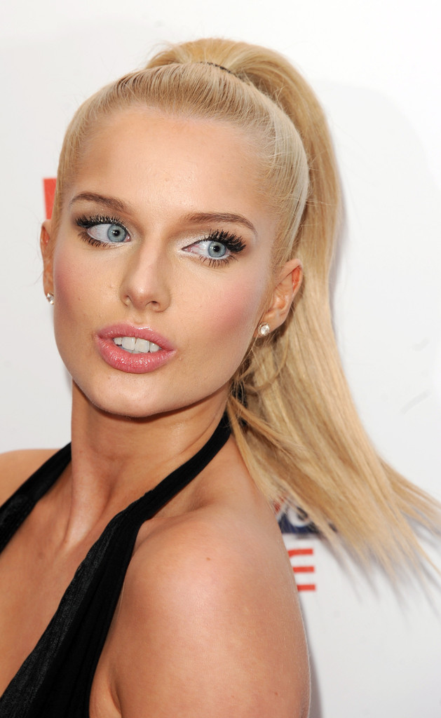 Top 10 Hottest Women in the World 2019 - Glitzyworld