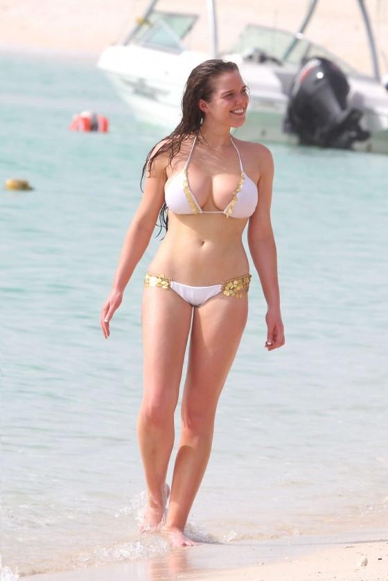 Bikini Hq 32