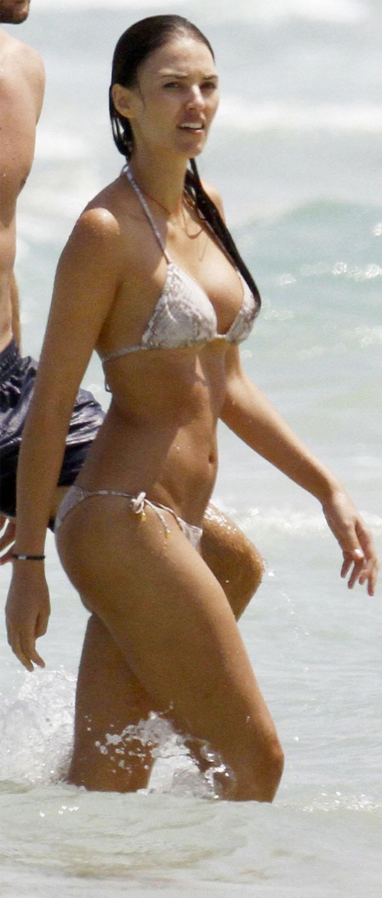 Uncategorized 2011 : helen-lindes-bikini-candids-in-ibiza-06