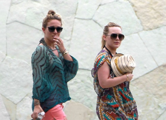 Hilary and Haylie Duff -in Mexico
