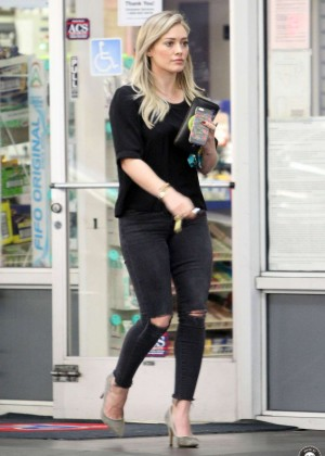 Hilary Duff in Jeans at a gas station in Beverly Hills